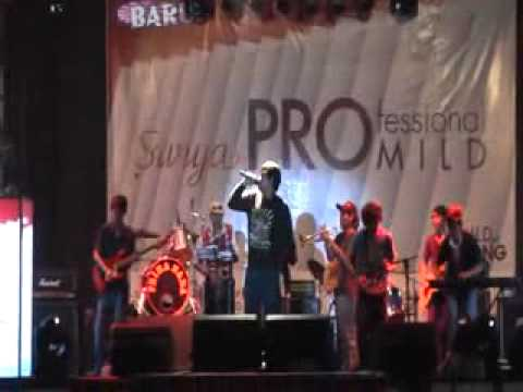 Lembayung and friends (ska reggae. the skatalites).flv
