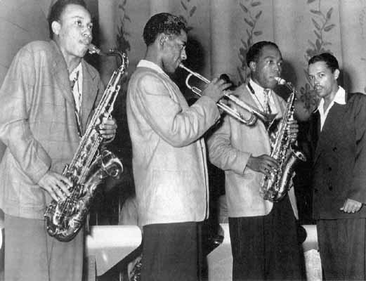 Billy Eckstine's Band in Pittsburgh 1944_Lucky Thompson-Dizzy Gillespie-Charlie Parker
