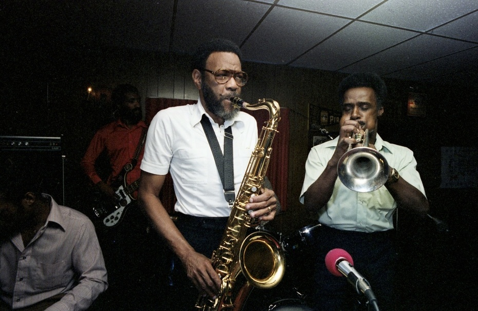Eileens-Bar-and-Grill-jazz-in-the-Zebra-Room-1