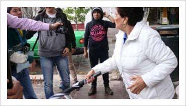Funcionaria pública golpea a persona con discapacidad física e intelectual