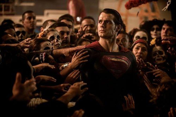 Análisis de Batman V Superman: El Amanecer de la Justicia. El Dios contra el hombre
