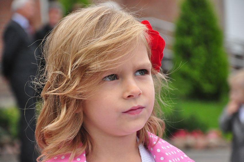 Como ayudar a los niños con tics nerviosos