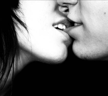 Qué ocurre en nuestro cerebro y cuerpo al recibir un beso apasionado