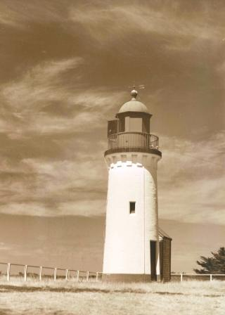 Whalers Bluff Lighthouse, Portland c. 1950s - Con Kroker photo