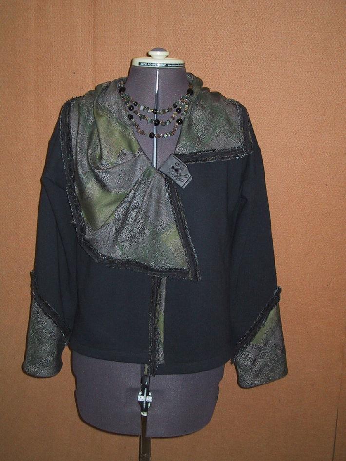 Black sweatshirt jacket2