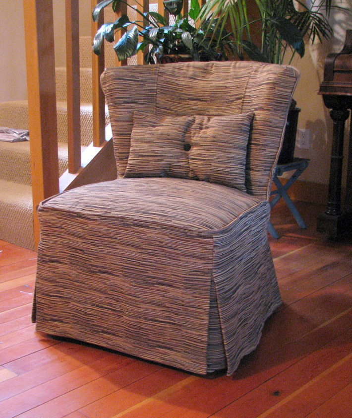 80's Chair with Slipcover and Pillow