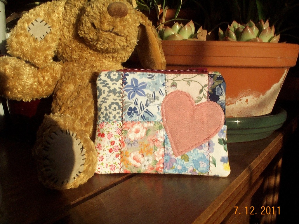Patchwork purse front