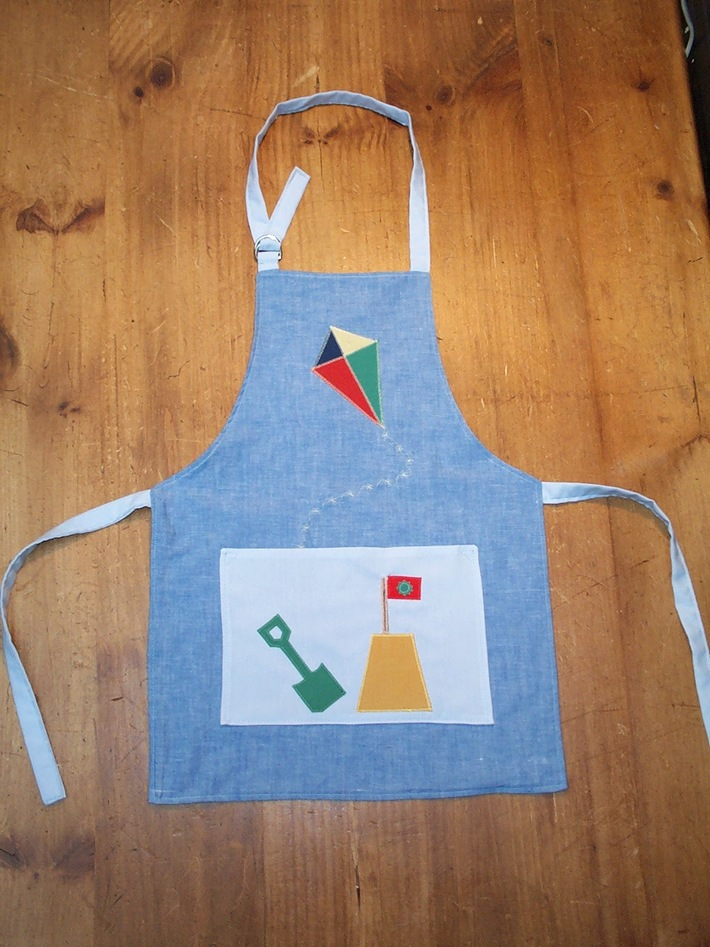 Day on the Beach Apron