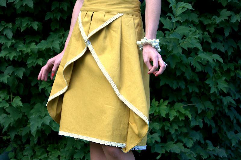 The Pinwheel Skirt Tutorial by Leanne of Elle Apparel