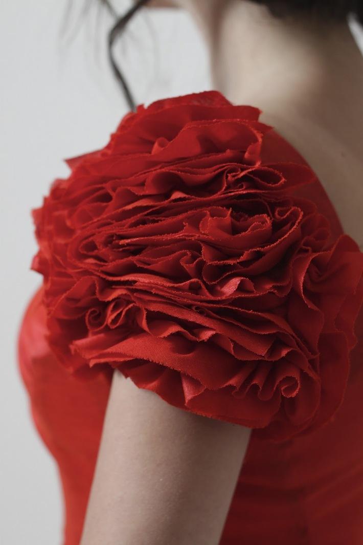 How to Make Ruffled (rose) Sleeves - by JuliaBobbin
