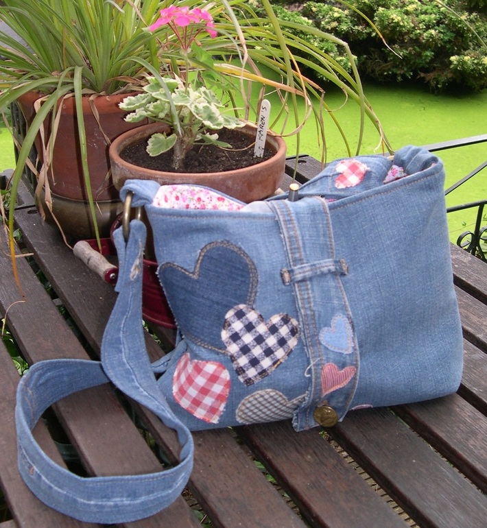Slouchy stiff stuff version of Old Jeans Purse