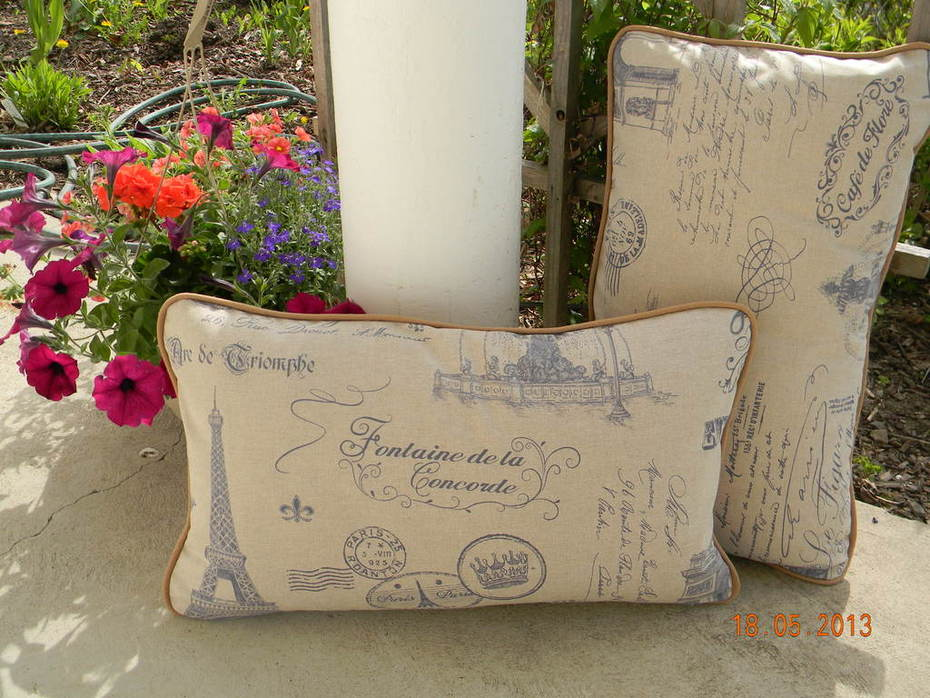 Linen and Cotton Piped Pillows + Sew Easy Lesson: Piping for Pillows