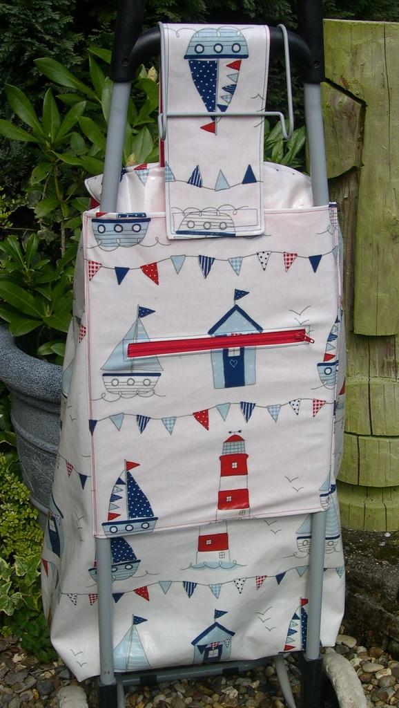 Oilcloth Wheeled Shopping Bag - back