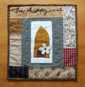 Mini Folk Art Quilt Bee Happy