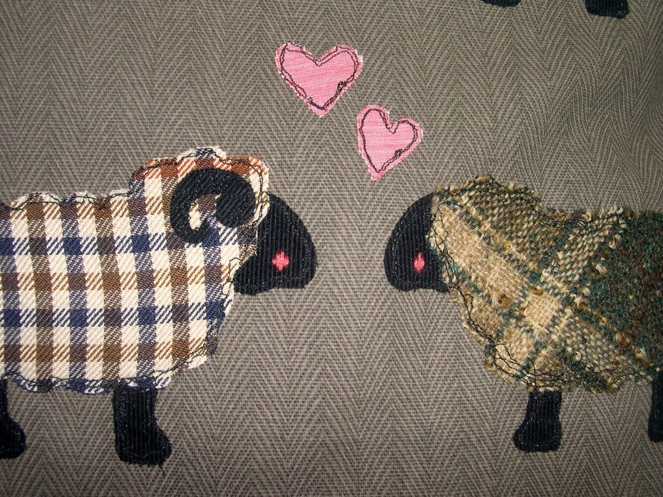 Valentines Love Ewe Cushion (bustle&sew.com) detail