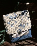 The Convertible Bag (Patterns by Mrs H) quilted details