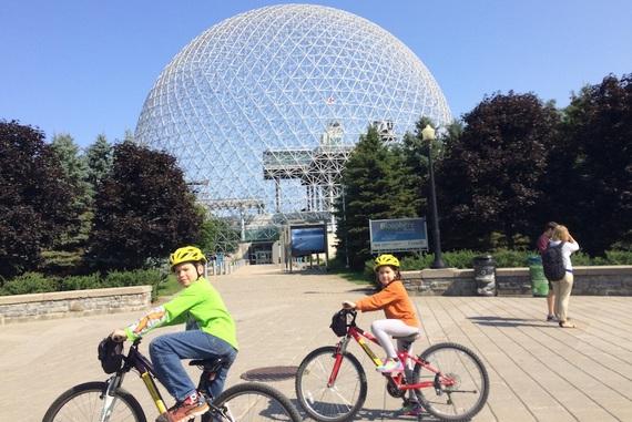 Lawrence, Man and His World, Moshe Safdie, Rue McGill, World's Fair, bicycling, bike, casino, city, ingredients, market, montreal, pavilion, port, qwelly, river, season, vegetables, ადამიანი და მისი სამყარო, გზა, ექსპოზიცია, ვახშამი, ველოსიპედი, ზღვა, კლოუნი, მომავლის მხარე, მონრეალი, მონრეალის ქუჩებში სეირნობა, მოშე საფდიე, მსოფლიო, პორტი, რბოლა, რესტორსნი, სათვალე, საკვები, სეზონი, ტური, ფილმი, ფუტურიზმი, ქალაქი, ქვეყანა