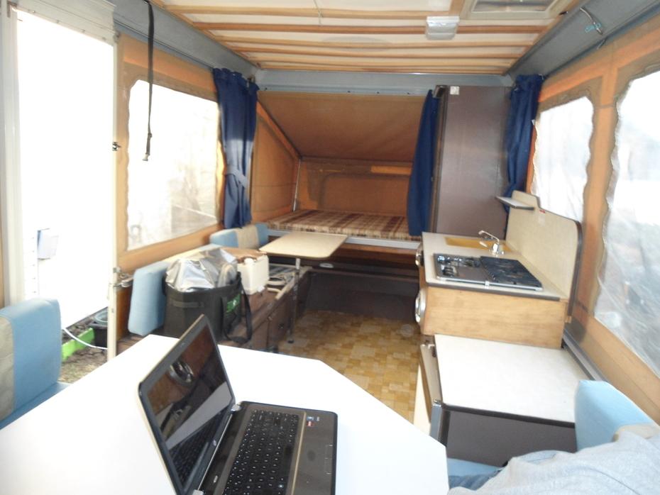 1979 Lionel tent trailer 12 ft box