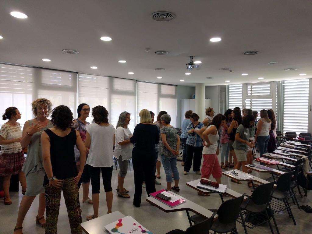 1.800 docents han començat la formació d'estiu