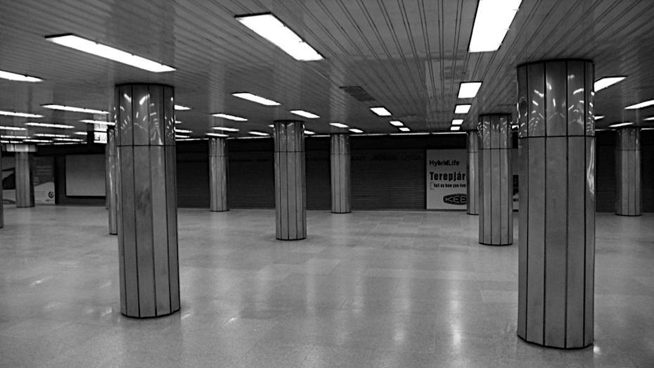 Metro, Budapest's daily life...