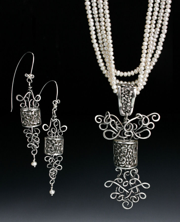 Filligree pearl necklace