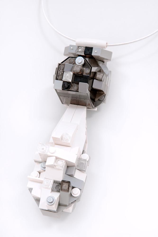 oye-LaReine-pearl-black-pendantW