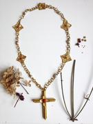 Quinivere Necklace