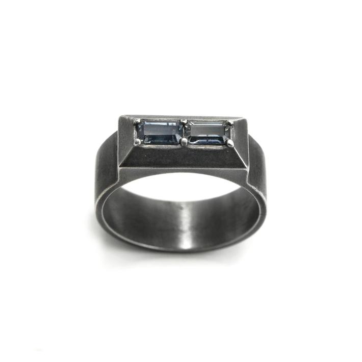 Twin Illustion Baguette Ring