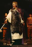 Richard Sewell as Lear