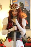 Red Queen with Downward Sword