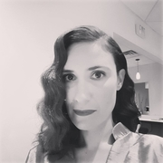 Monica Sav 20s hair curls
