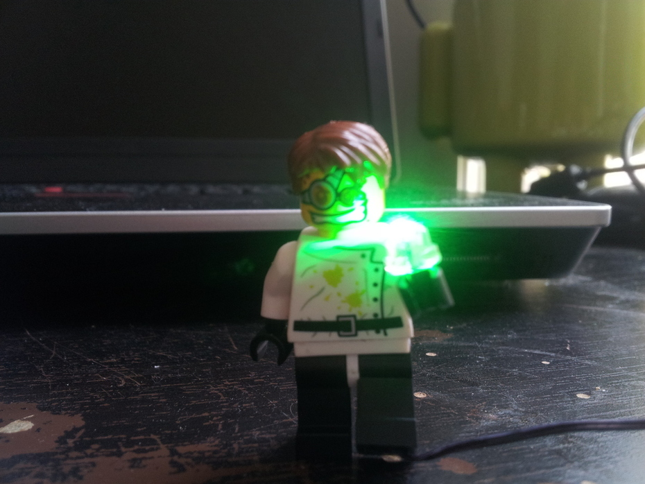 Done wiring the minifig...