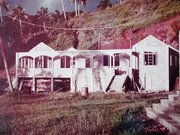 19 The building of Talatala's house. Buakonikai 1980s