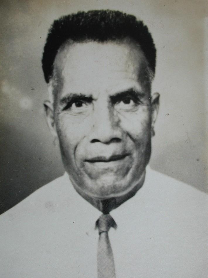 Buakonikai Church Pioneer: Rotan Tito