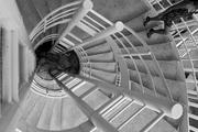 una escalera con curvas CaRaqueÑas