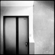 Día 25: Una vida privada Título: Sólo personal autorizado