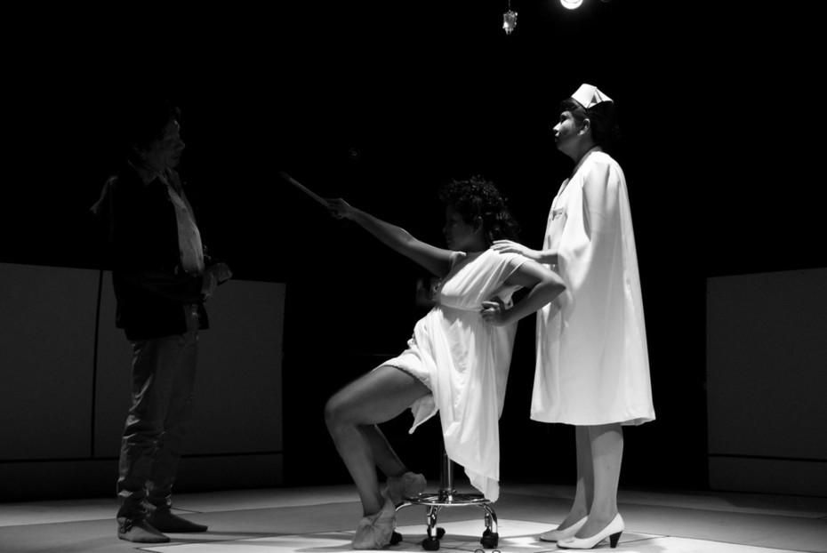 "Obra de teatro ""flechas del olvido"""