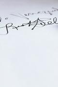 Día 8 un autografo de Justin Bieber (dedicado)