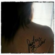 Un autógrafo de Justin Bieber (dedicado)