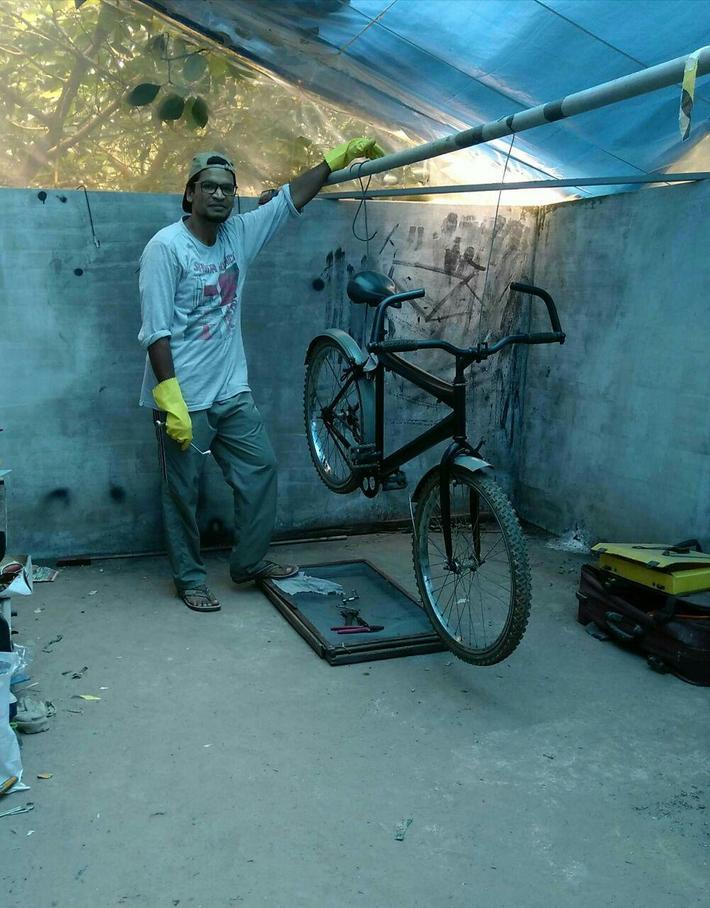 Bike Mechanic - on house Terrace