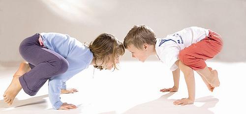 Kraehe_Kinder-Yoga_bei_Yoga-Vidya_2
