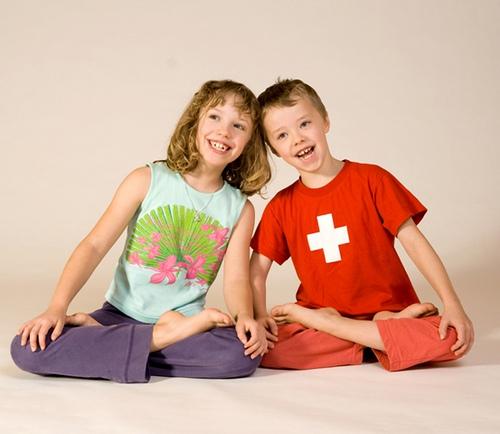 Meditation_-_Kinder-Yoga_bei_Yoga-Vidya_1504