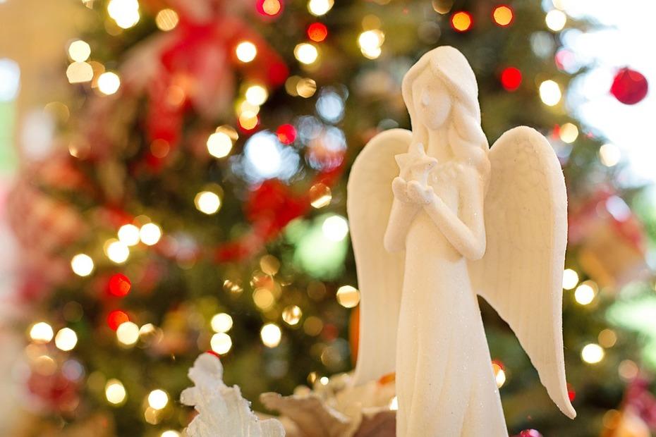 Ihr Lieben, ich wünsche euch allen frohe und besinnliche Weihnachten. Mögen eure Herzen in Liebe, Freude und Frieden erstrahlen.