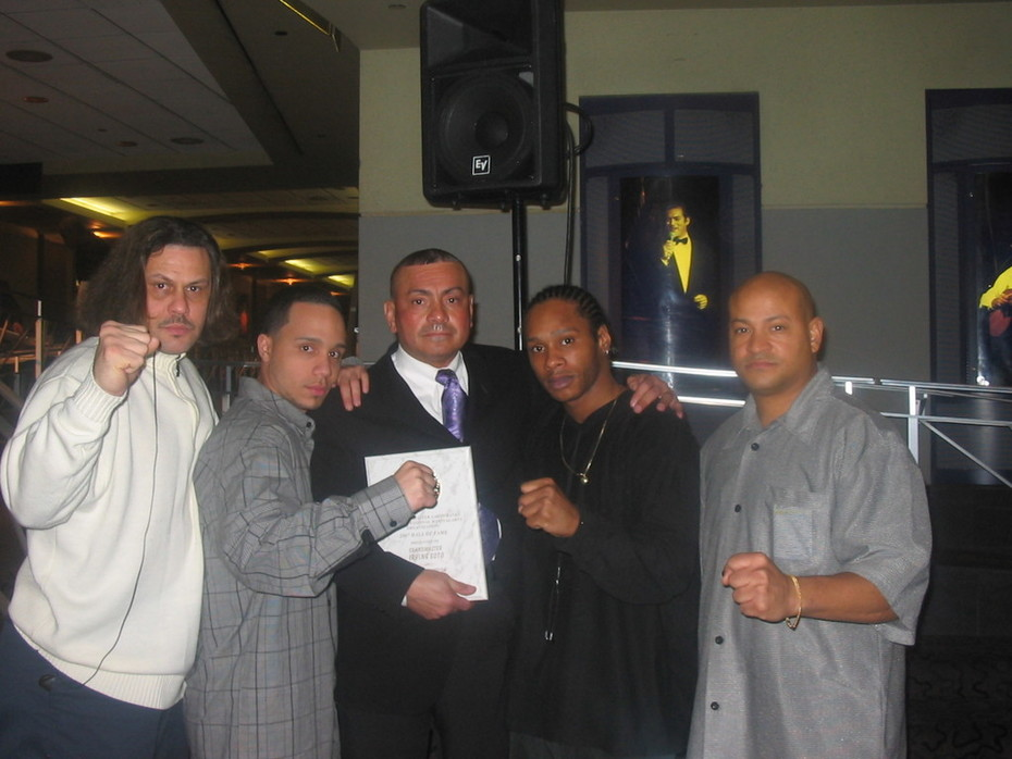 HALL OF FAME  SOKE GRANDMASTER IRVING SOTO WITH STUDENTS