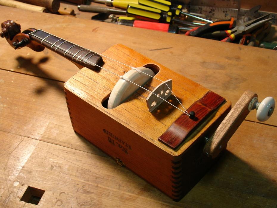Diatonic Rotary Fiddle