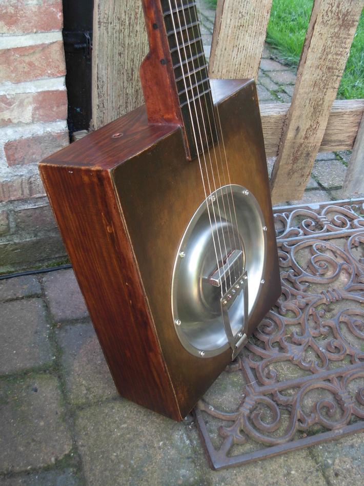 DogDish Winebox Resonator Guitar