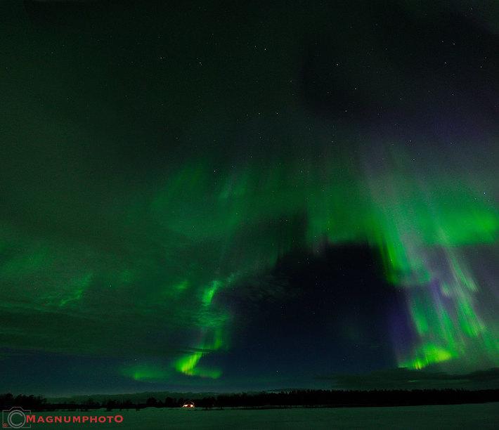 Norrsken i Moskosel natten mellan den 12-13 apr 2016.
