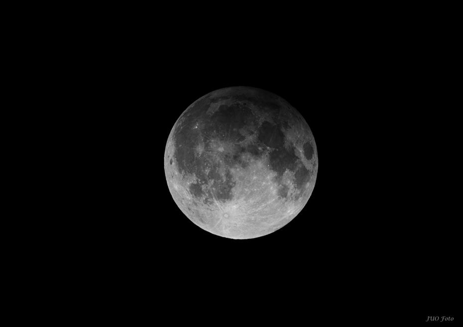 Månen i halvskugga