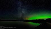 Vintergatan och lite norrsken över Malmesjaure, 17 okt 2017.