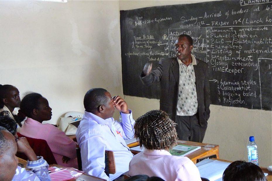 DSC01150 Making the schedule for teacher workshops